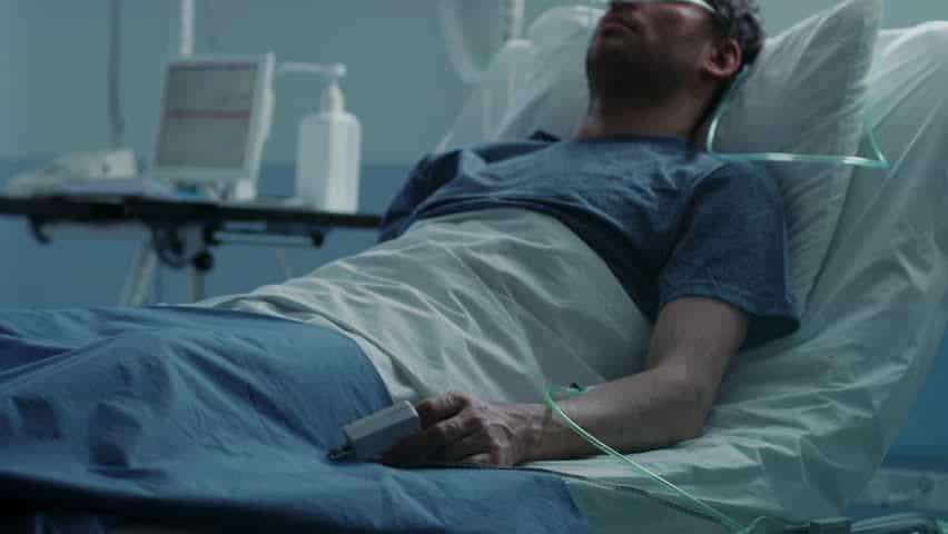صورة رؤية المريض في المنام , تفسيرالحلم بشخص مريض