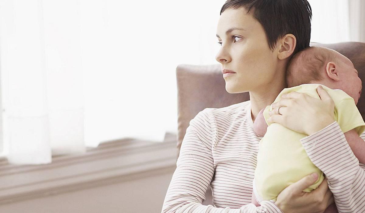صورة الدورة الشهرية بعد الولادة غير منتظمة , علاج عدم انتظام الدورة الشهرية بعد الولادة
