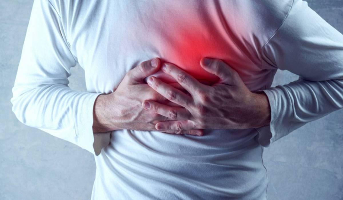 صورة اسباب حرقة الصدر , ما هى اسباب الشعور بحرقة الصدر والعلاج