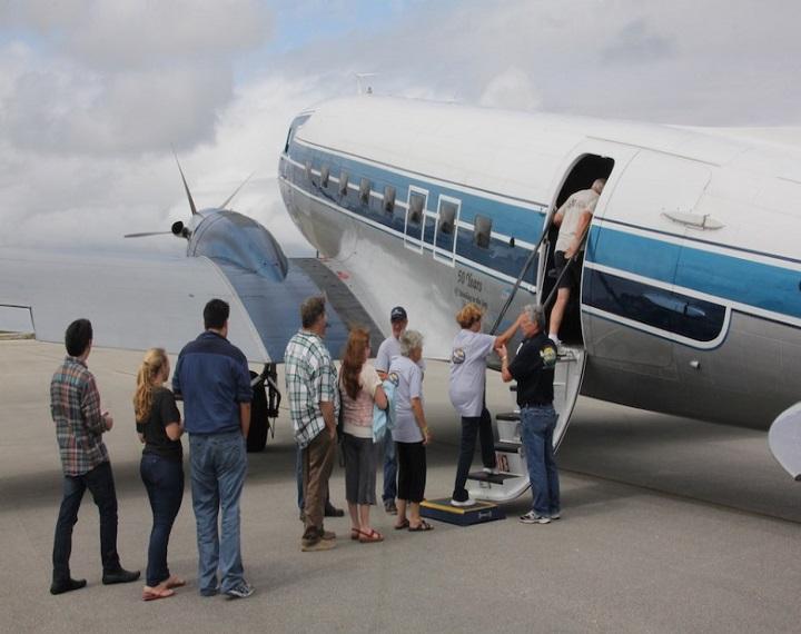 صورة حلمت اني اسافر هل هذا خير , تفسير حلم السفر في الطائرة