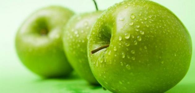 صورة هل تعاني من مرض السكر تناول تفاحة وتعرف علي الفوائد , فوائد التفاح الاخضر لمرضى السكر