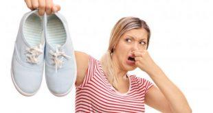 صورة كيفية التخلص من رائحة الحذاء , طريقة ازالة رائحة الحذاء